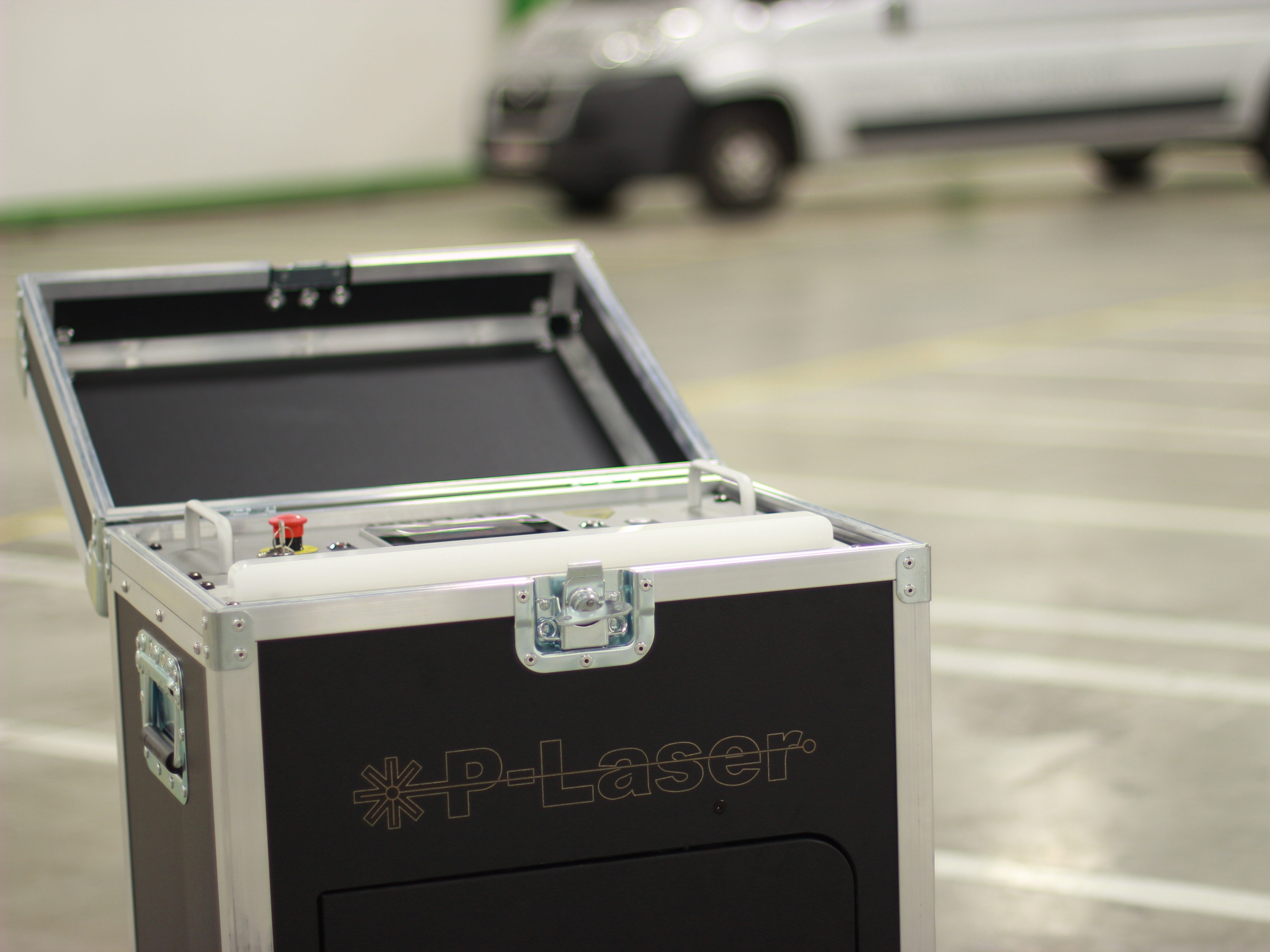 P-Laser Low Power laser cleaning unit in flight case